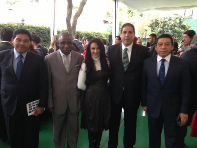 Sua Excelência o Senhor Embaixador de Costa do Marfim e no Panamá , no México com pessoas de Interior e de prevenção da criminalidade na apresentação Optucorp para a Europa.