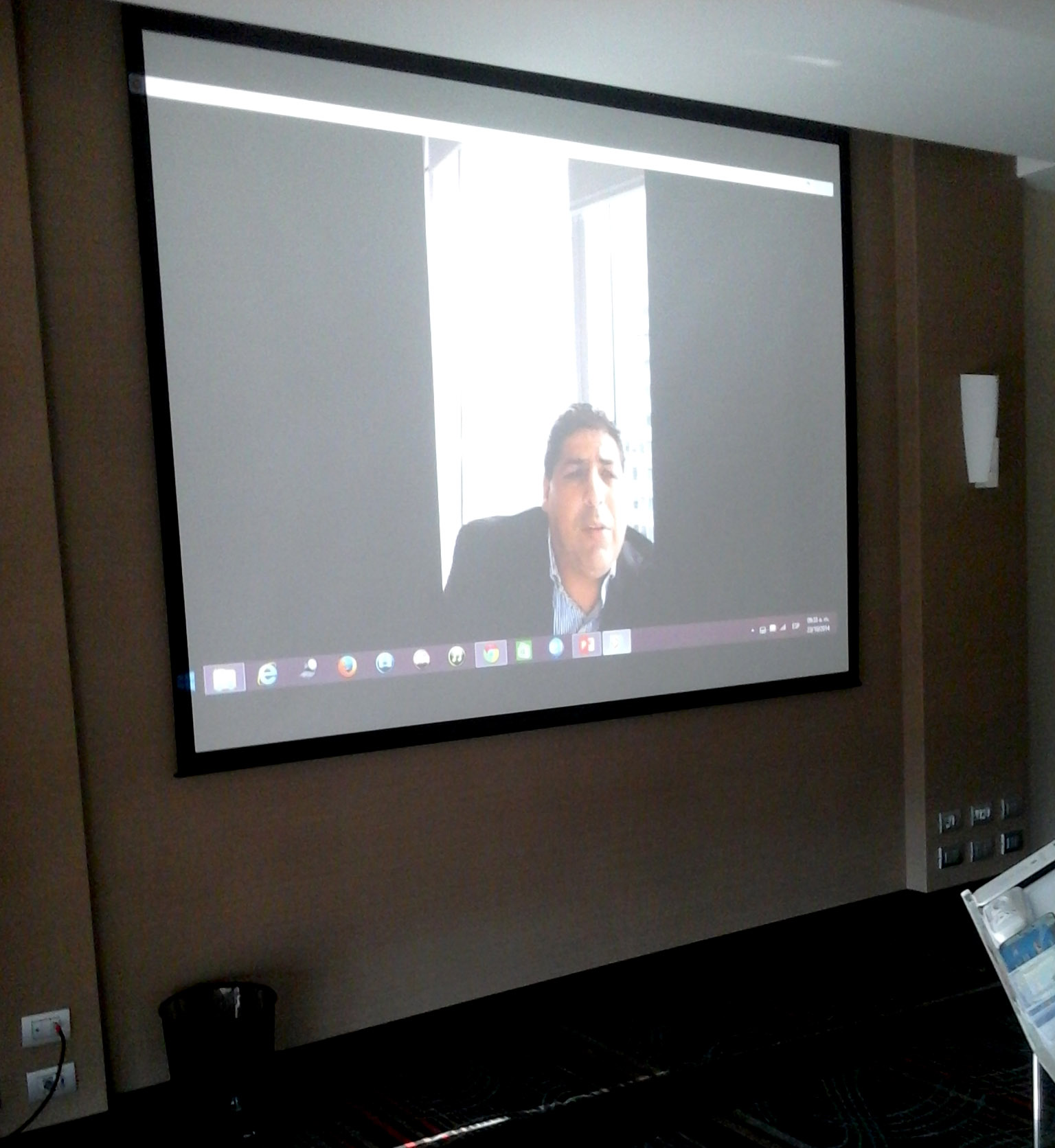 Conferencia en vivo con el Director de Optucorp