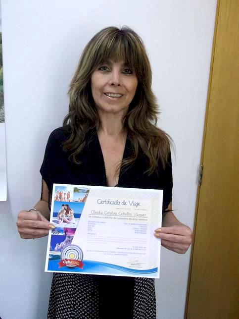 Claudia Catalina Ceballos Vazquez, ganadora de paquete vacacional a cualquier parte de México.