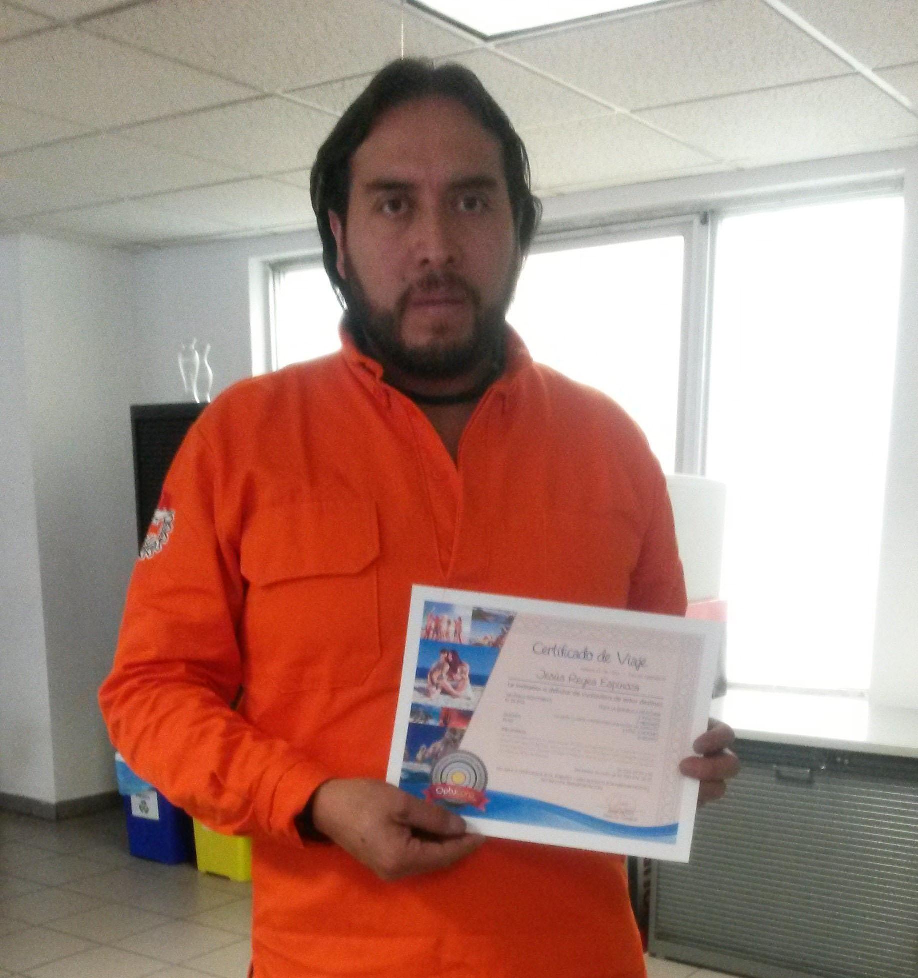 Jesús Reyes Espinoza, ganador de paquete vacacional a cualquier parte de México