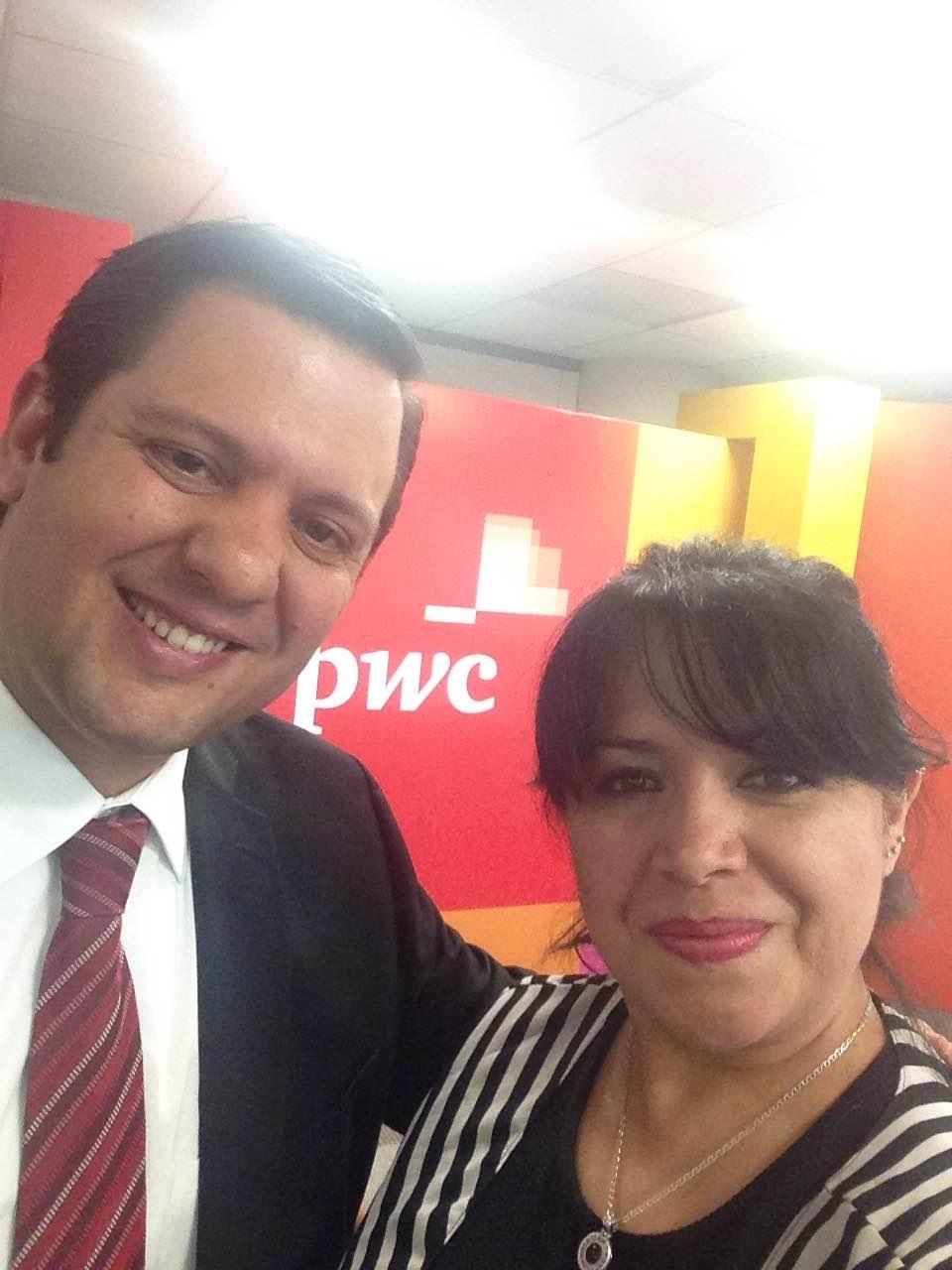 Con Lic Mario Alberto Rocha, socio de PwC, experto en reestructuración corporativa, propiedad intelectual, entre otros.