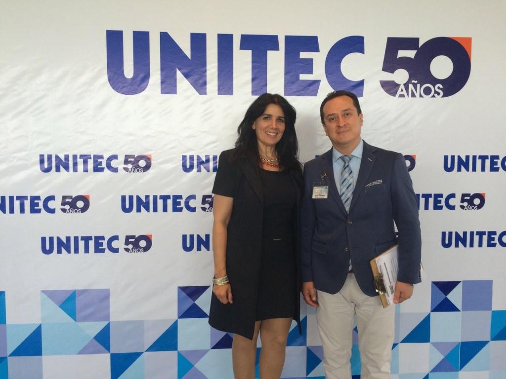 La Lic. Alicia Pérez, gerente división Cuba de Optucorp y el Lic. Isaac Abel Velázquez Molina, gerente nacional de relaciones empresariales de UNITEC